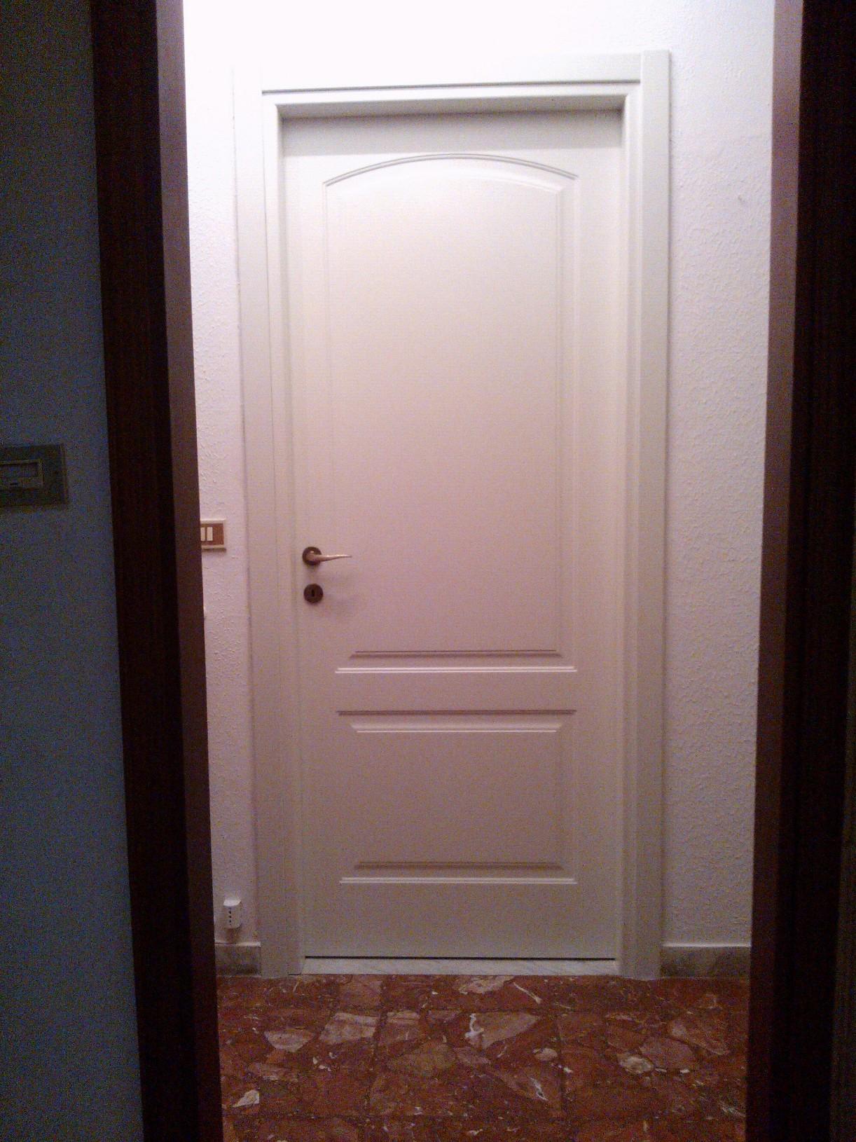 Lavoro montaggio porte nuove - Montaggio porte interne ...